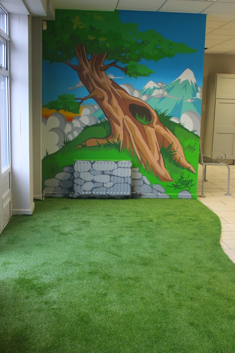 indoor wall mural with artificial grass