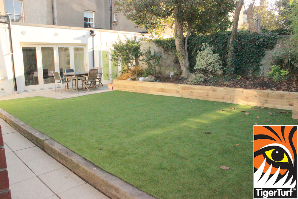 synthetic grass in family garden 73.jpg