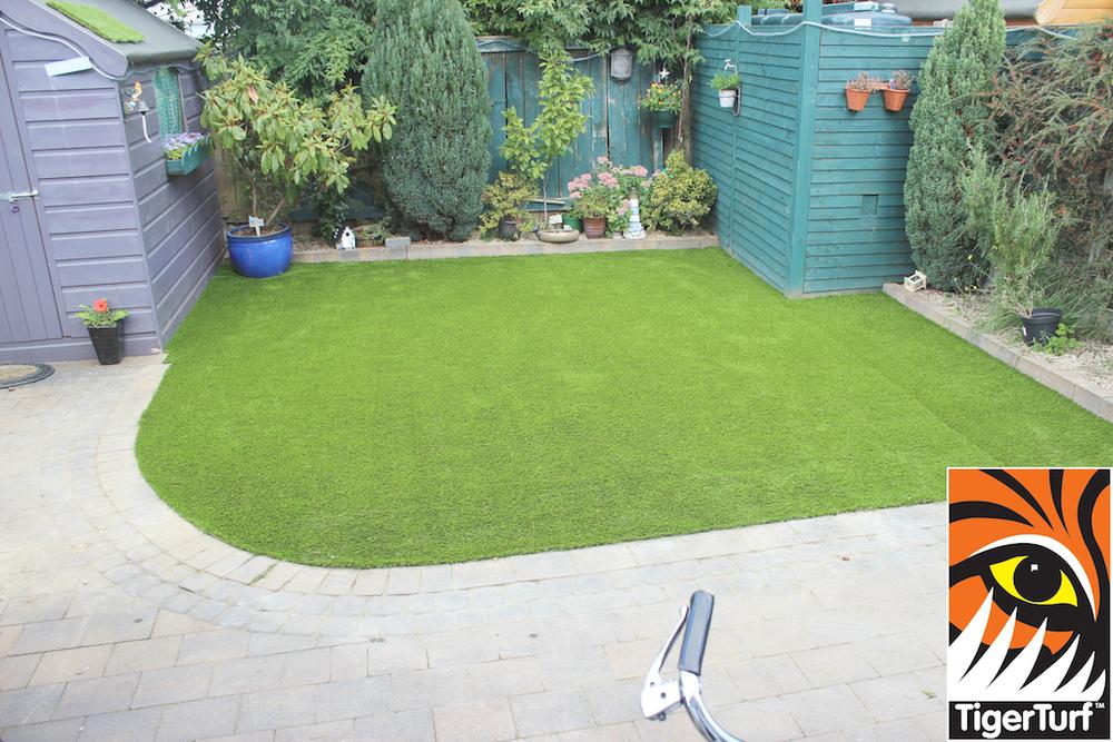synthetic grass in family garden 92.jpg