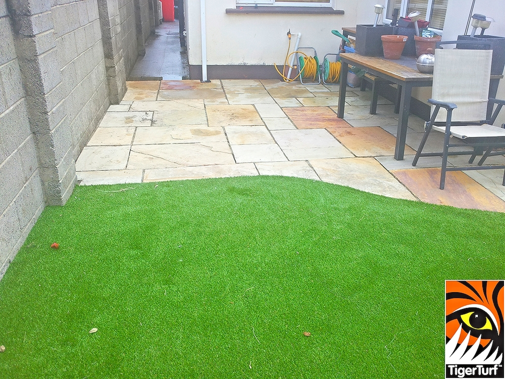 synthetic grass installation