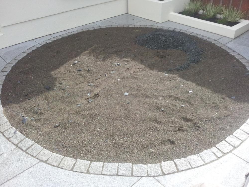 circular synthetic lawn preparation