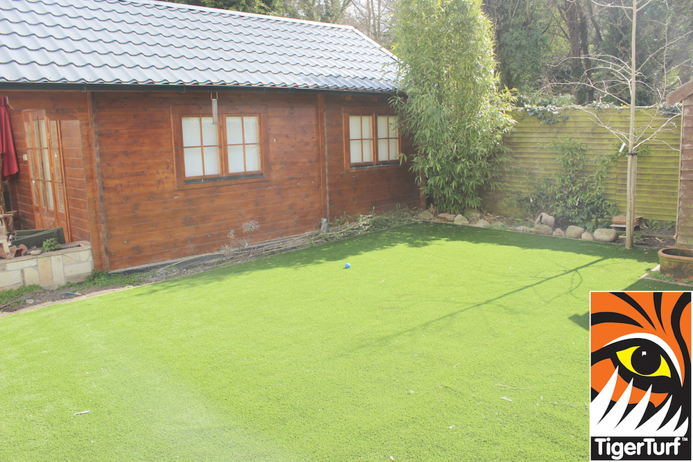 synthetic grass in family garden 44.jpg