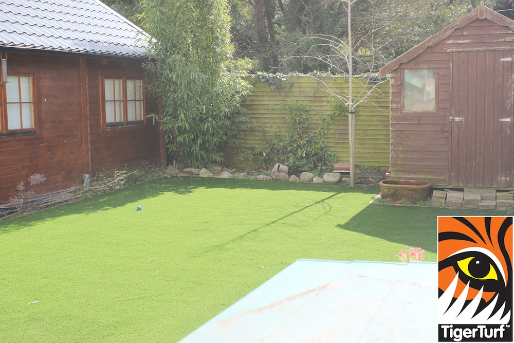 synthetic grass in family garden 30.jpg