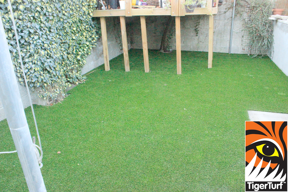 a nice new synthetic lawn in dublin