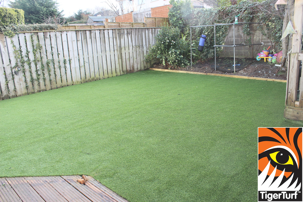 synthetic grass in family garden 23.jpg