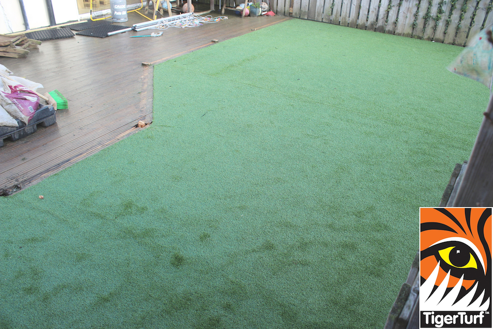 synthetic grass in family garden 37.jpg