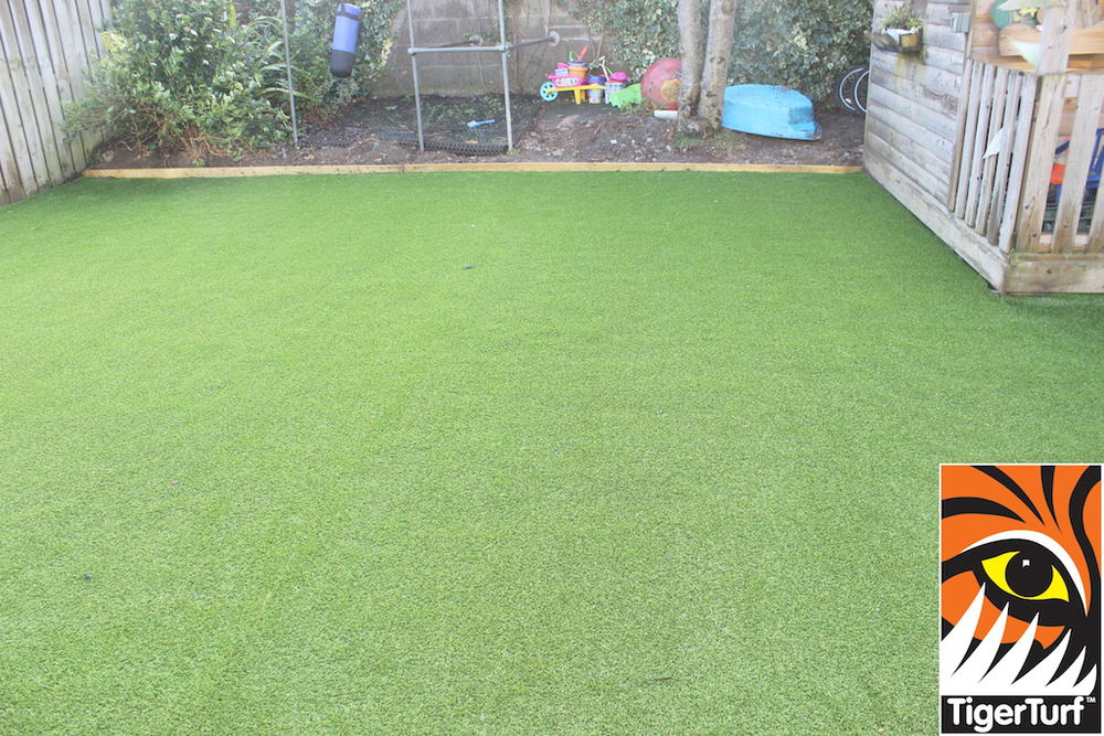 synthetic grass in family garden 42.jpg