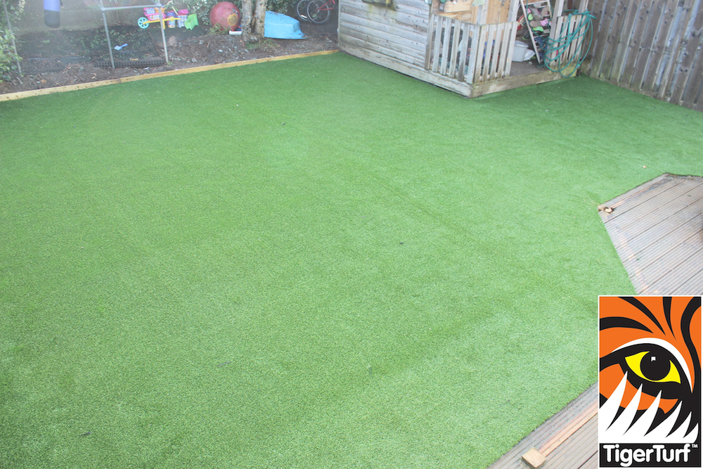 synthetic grass in family garden 52.jpg