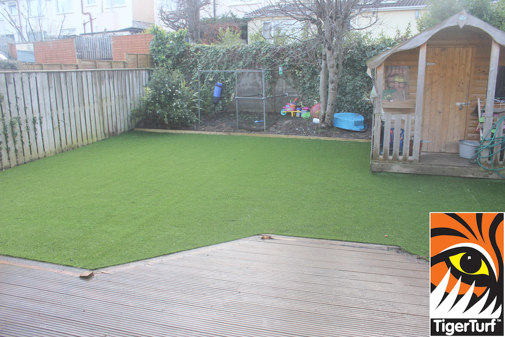 synthetic grass in family garden 91.jpg