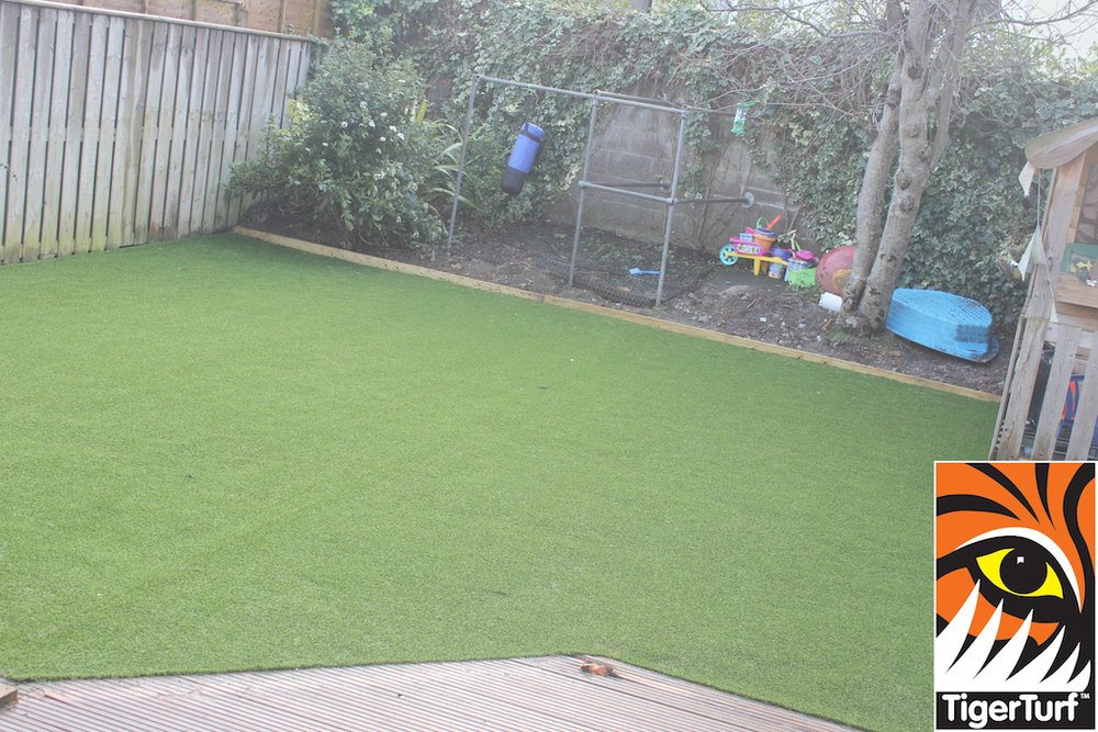 synthetic grass in family garden 90.jpg