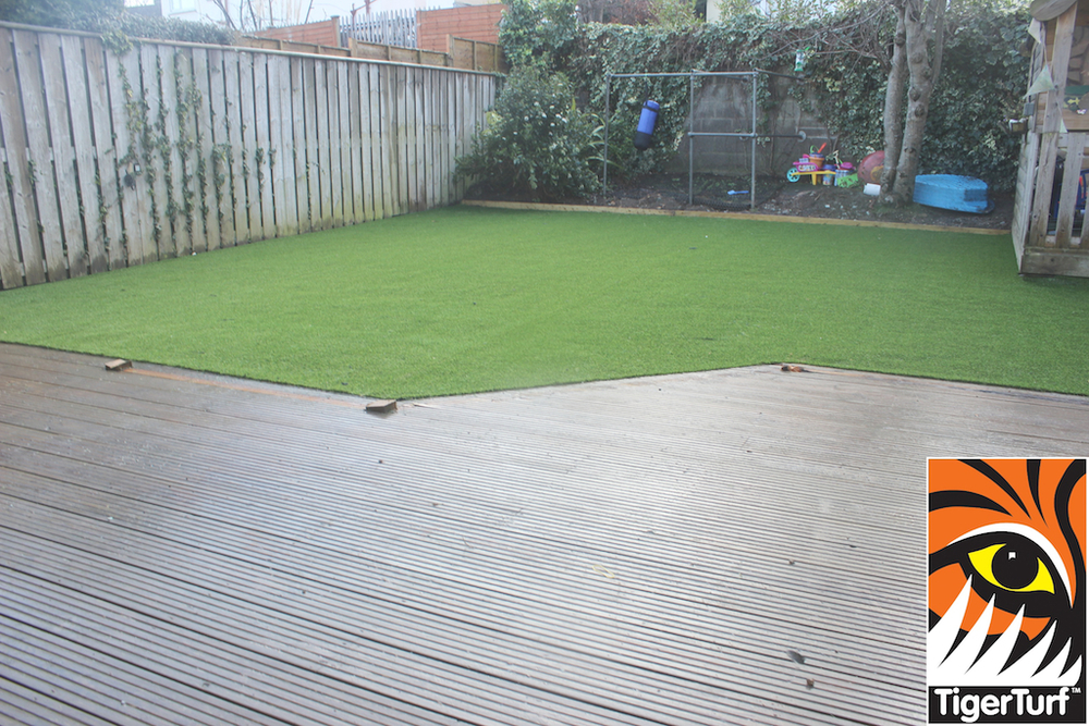 synthetic grass in family garden 97.jpg