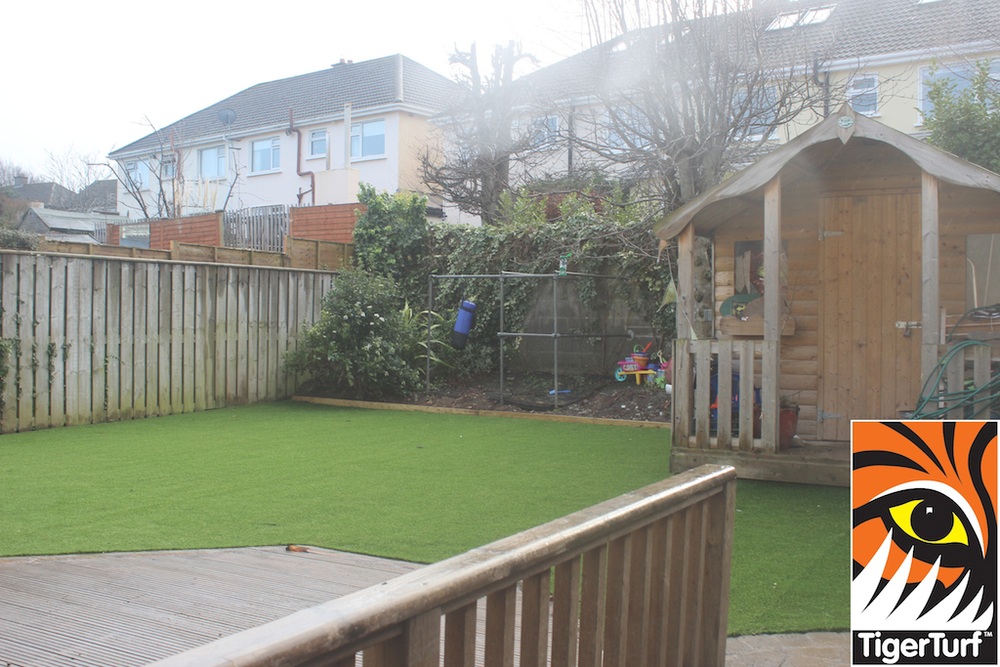 synthetic grass in family garden 163.jpg
