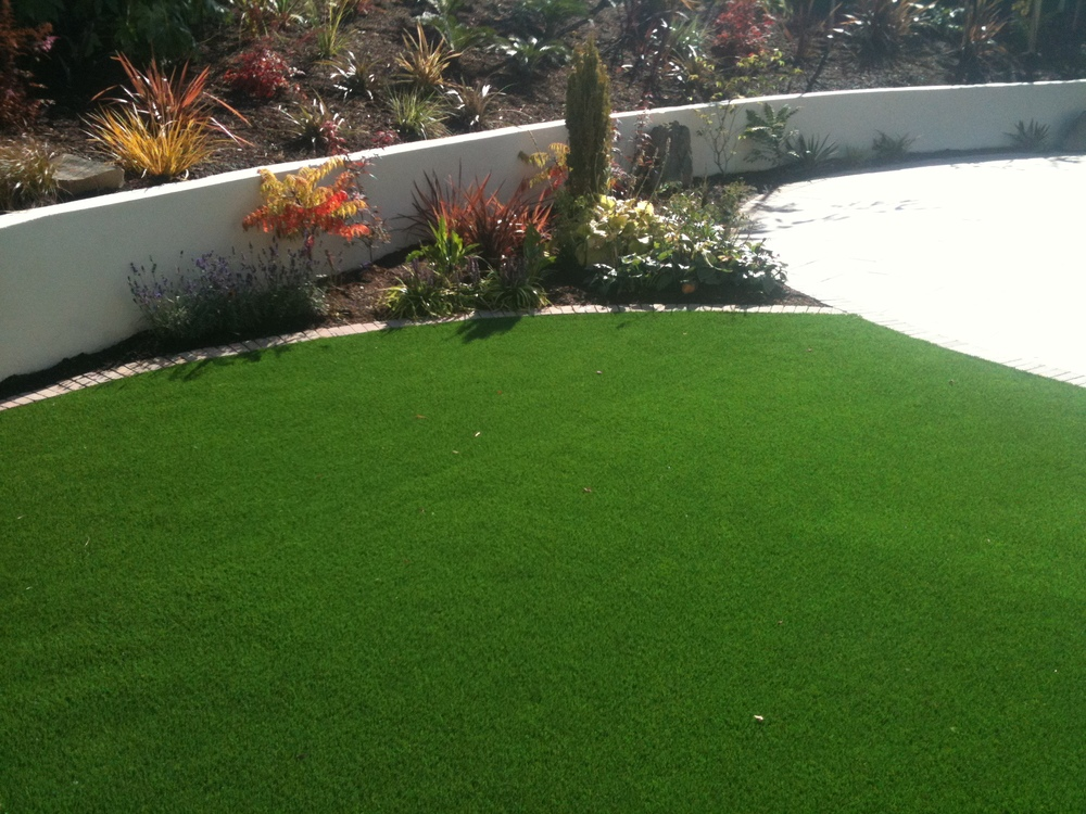 TigerTurf and low maintenance planting