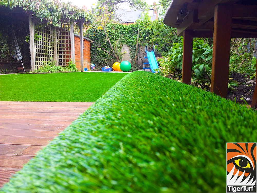 decking and lawn turf 693.jpg