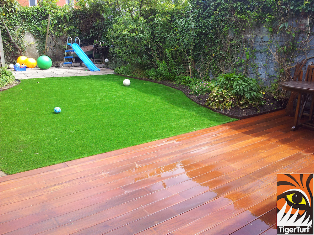 decking and lawn turf 707.jpg