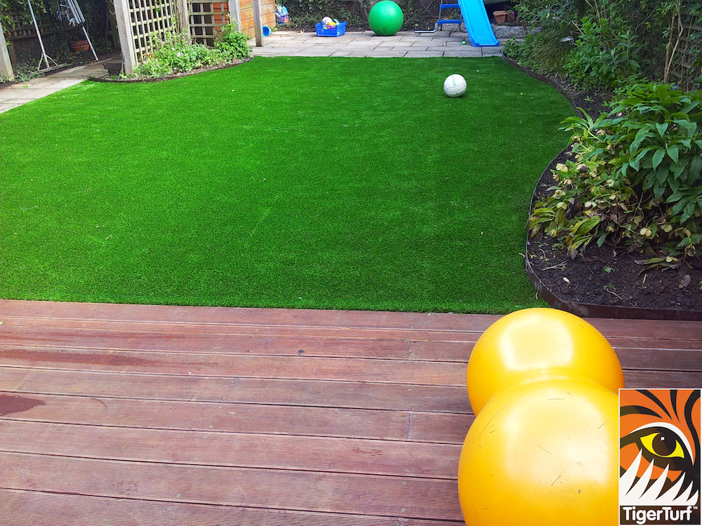 decking and lawn turf 747.jpg