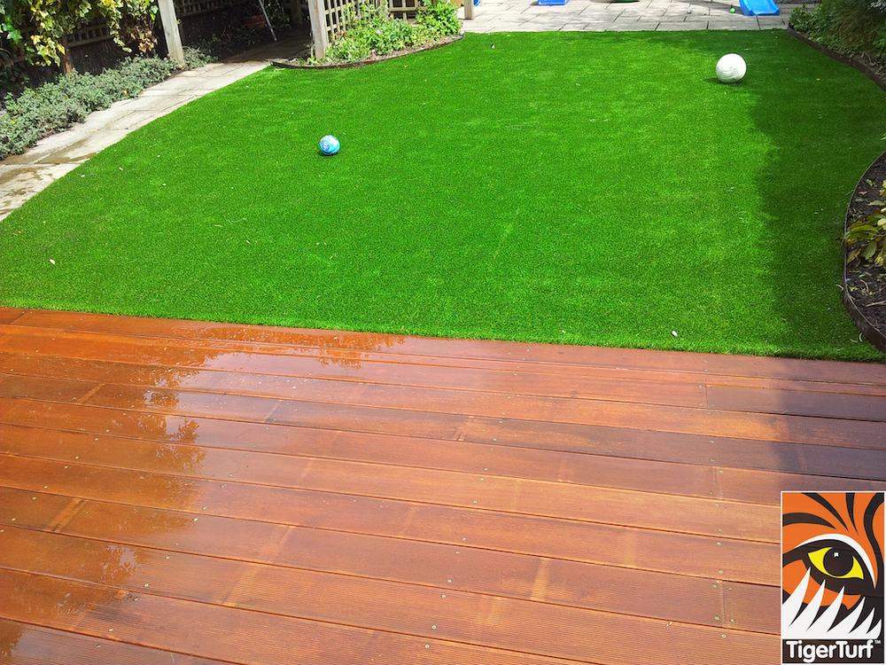 decking and lawn turf 769.jpg