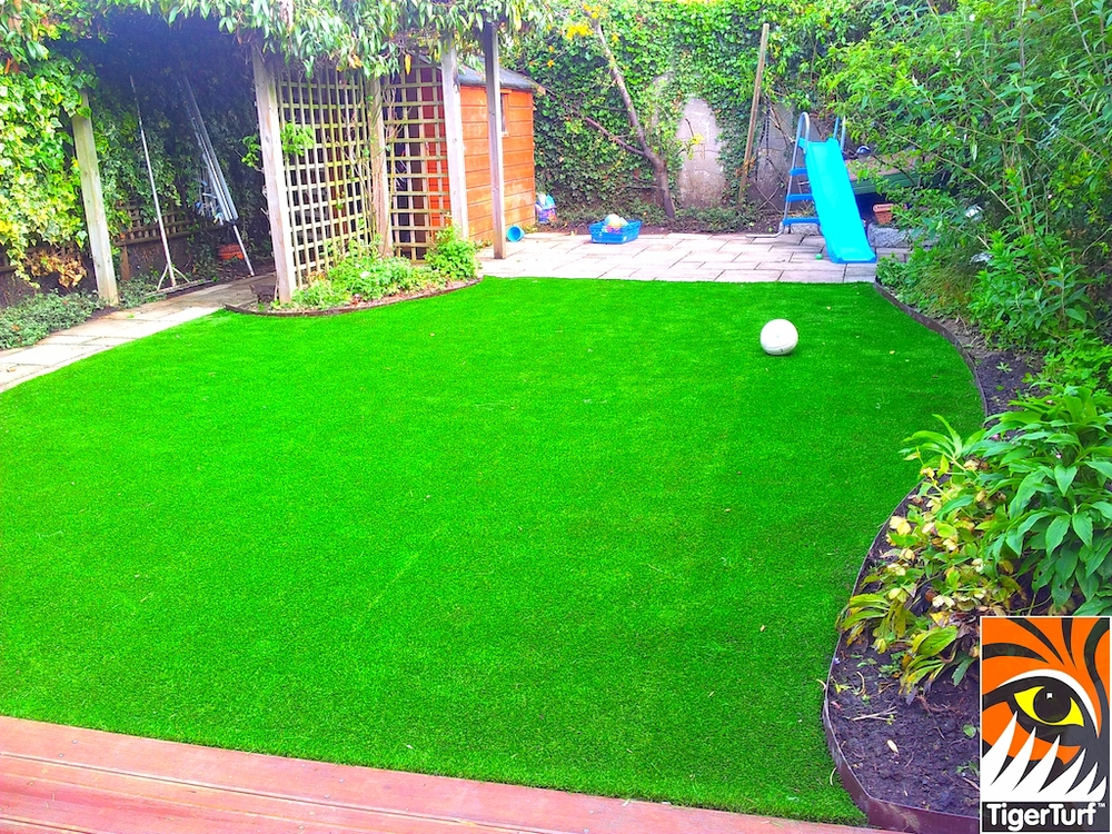 decking and lawn turf 675.jpg