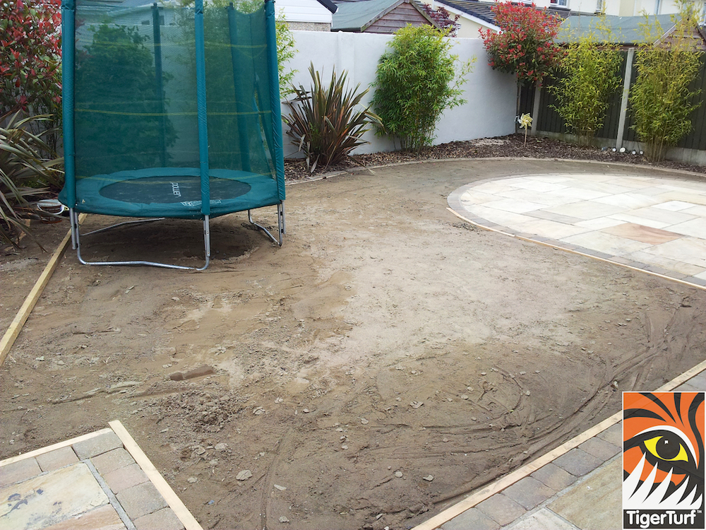 Timber frame and sand screed for lawn
