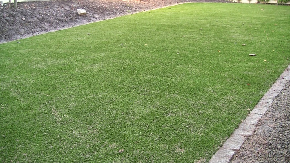synthetic lawn turf installed