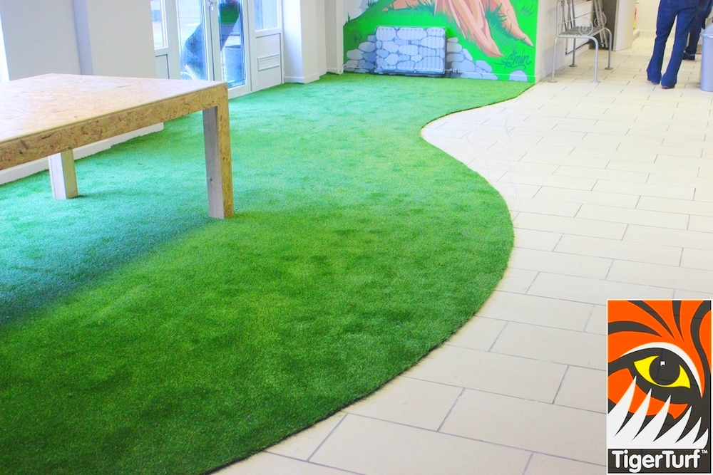 TigerTurf curved carpet