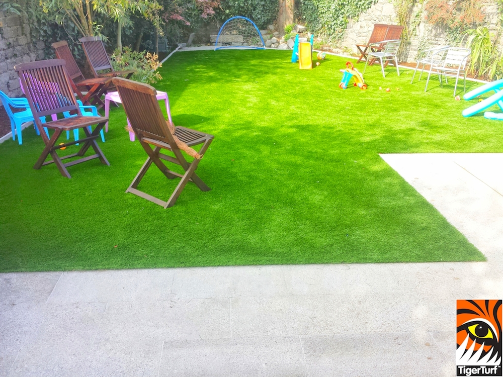 Garden paving and new lawn
