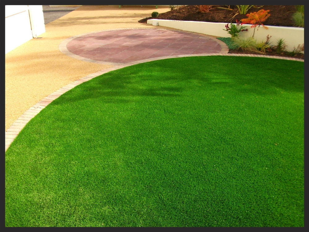 TigerTurf vision Plus lawn circle