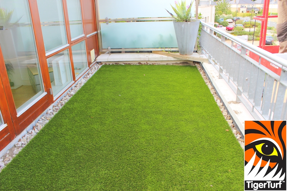 TigerTurf balcony installation