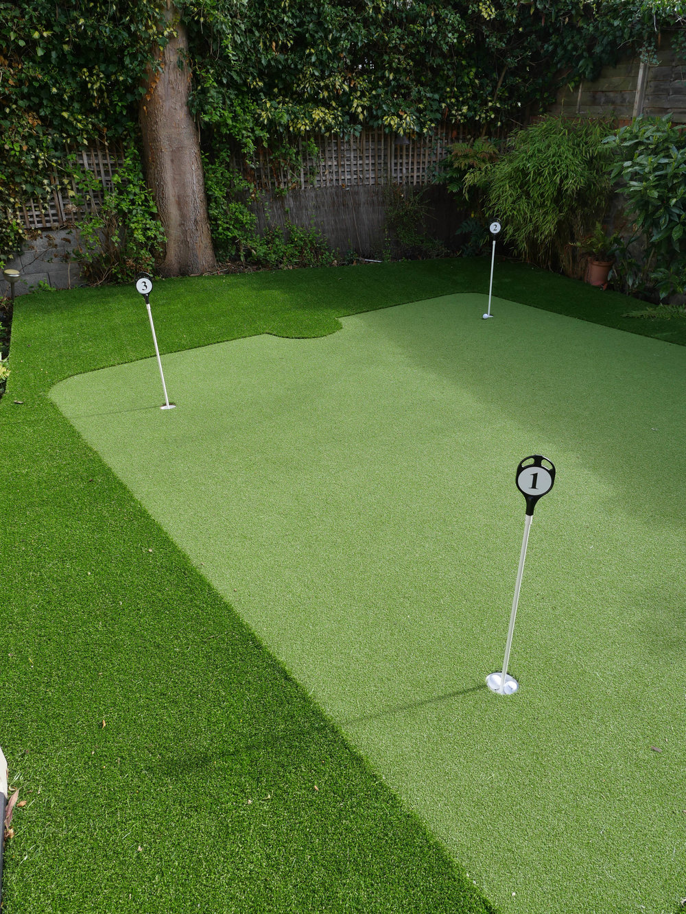 AmazonGolfGreens.ie - Professional Putting Greens