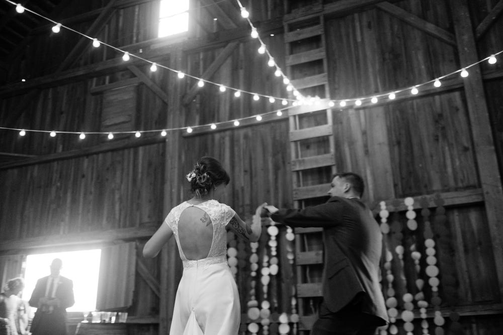 Todd_Emily_Sutliff_Wedding_Iowa-104.jpg