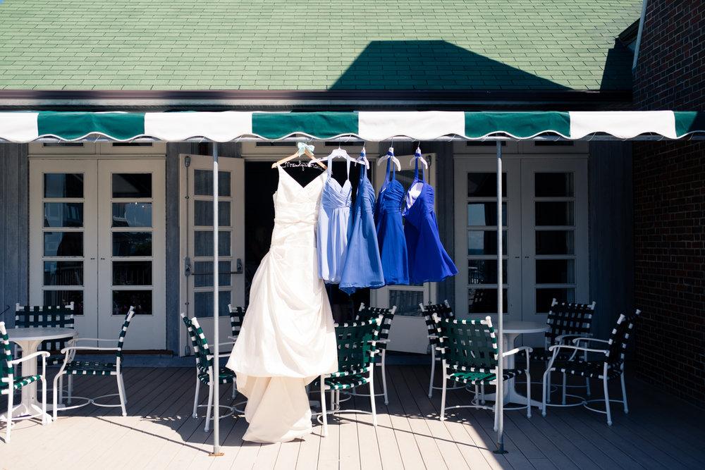 Kristen_Travis_Narragansett_Wedding-6.jpg