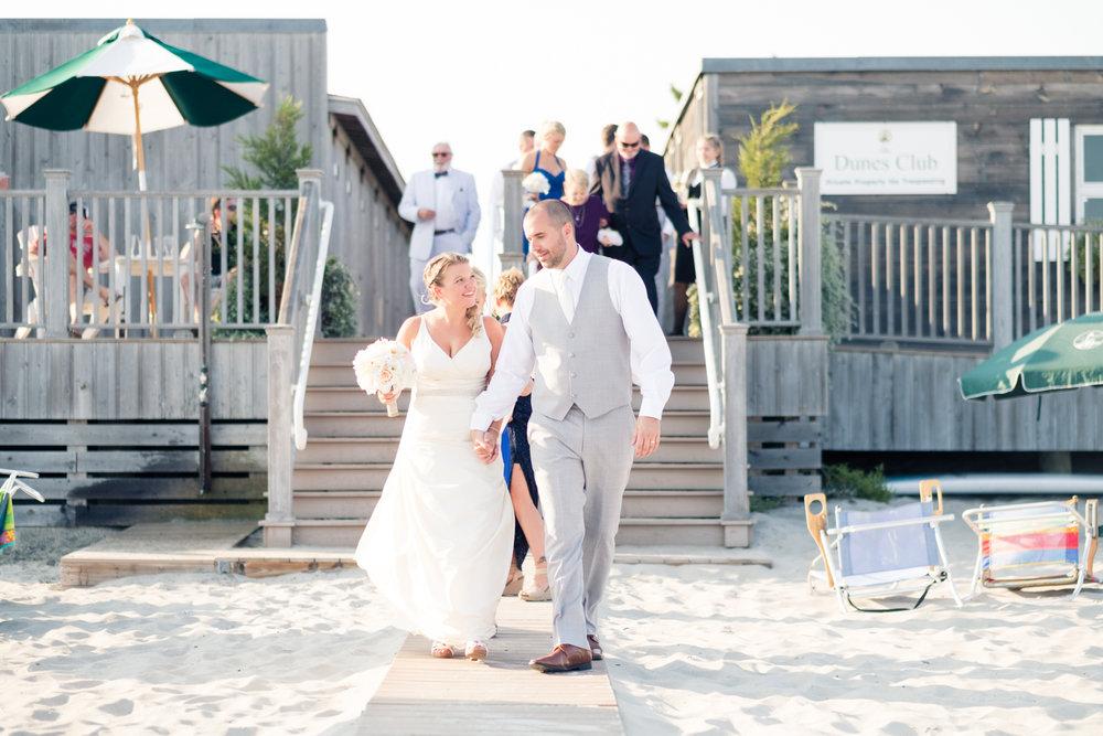 Kristen_Travis_Narragansett_Wedding-23.jpg