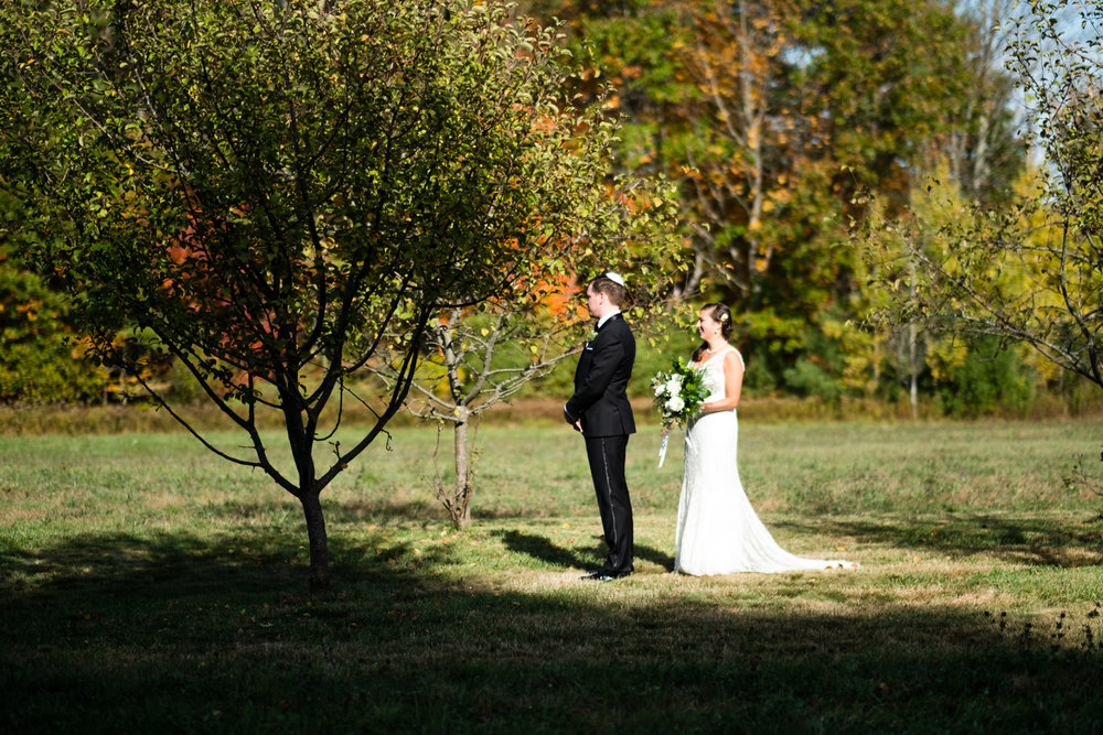 Kim_Andrew_Flanagan_Farm_Maine_Wedding-33.jpg