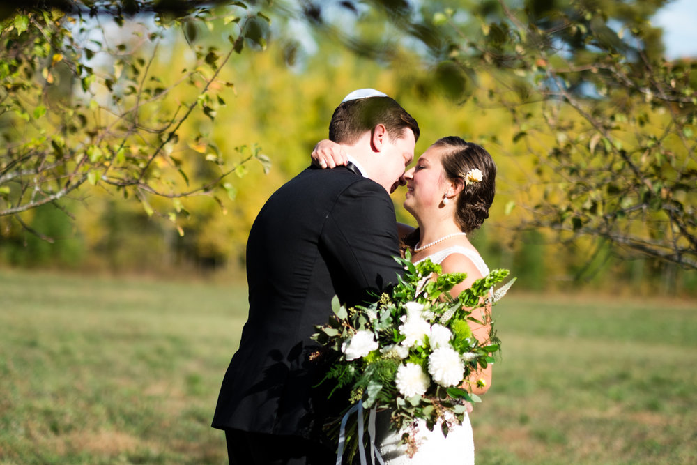 Kim_Andrew_Flanagan_Farm_Maine_Wedding-34.jpg