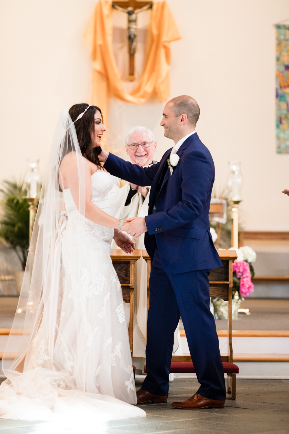 Tiare_Dan_BeeandThistleInn_Connecticut_Wedding-12.jpg