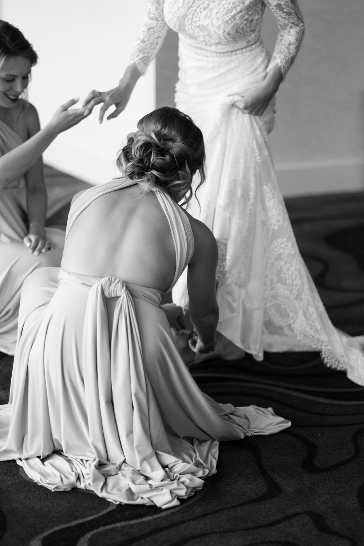 Alia_Ryan_Cliff_House_Maine_Wedding-14.jpg