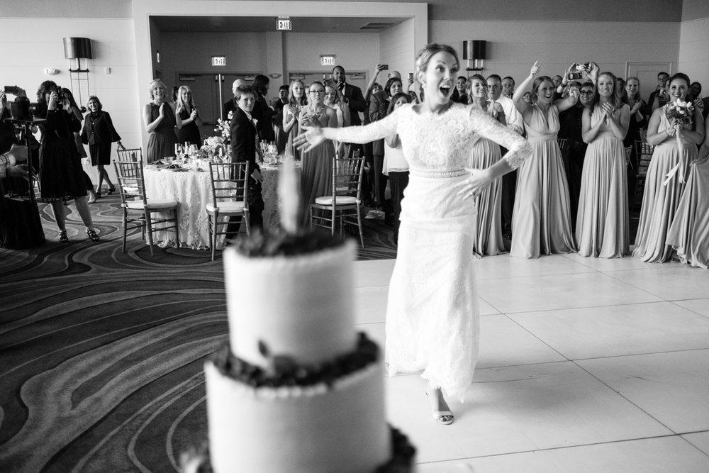 Alia_Ryan_Cliff_House_Maine_Wedding-85.jpg