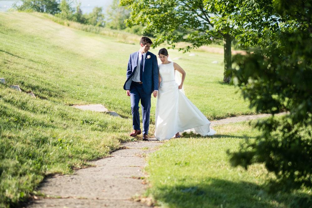 Holly_Austin_Portland_Wedding-35.jpg