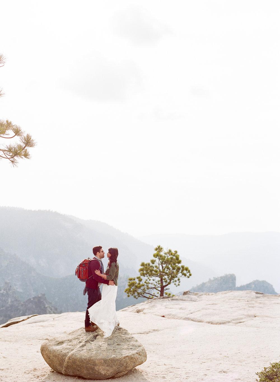 Amelia_Max_Yosemite_Elopement-124.jpg