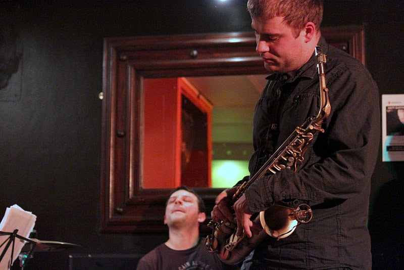 Marek-Tomaszewski-Sax-Player-Concert-Mau-Mau-London