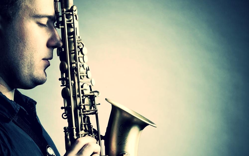 Marek-Tomaszewski-Saxophone-Player-In-London-4.jpg