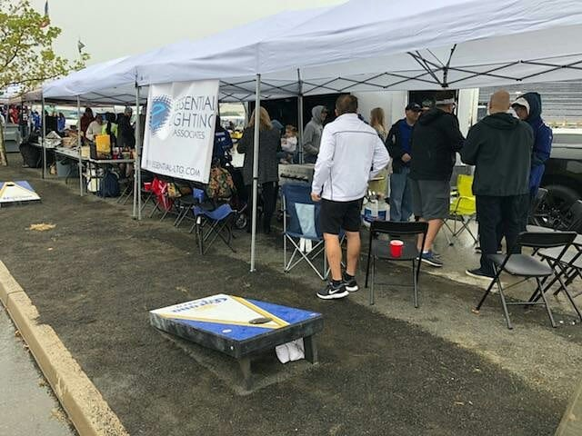 A little rain won't stop us at F10! #tailgate #tailgateparty #parkinglotparty #thetailgatemafia #nyg #newyorkgiants #bigblue #gmen