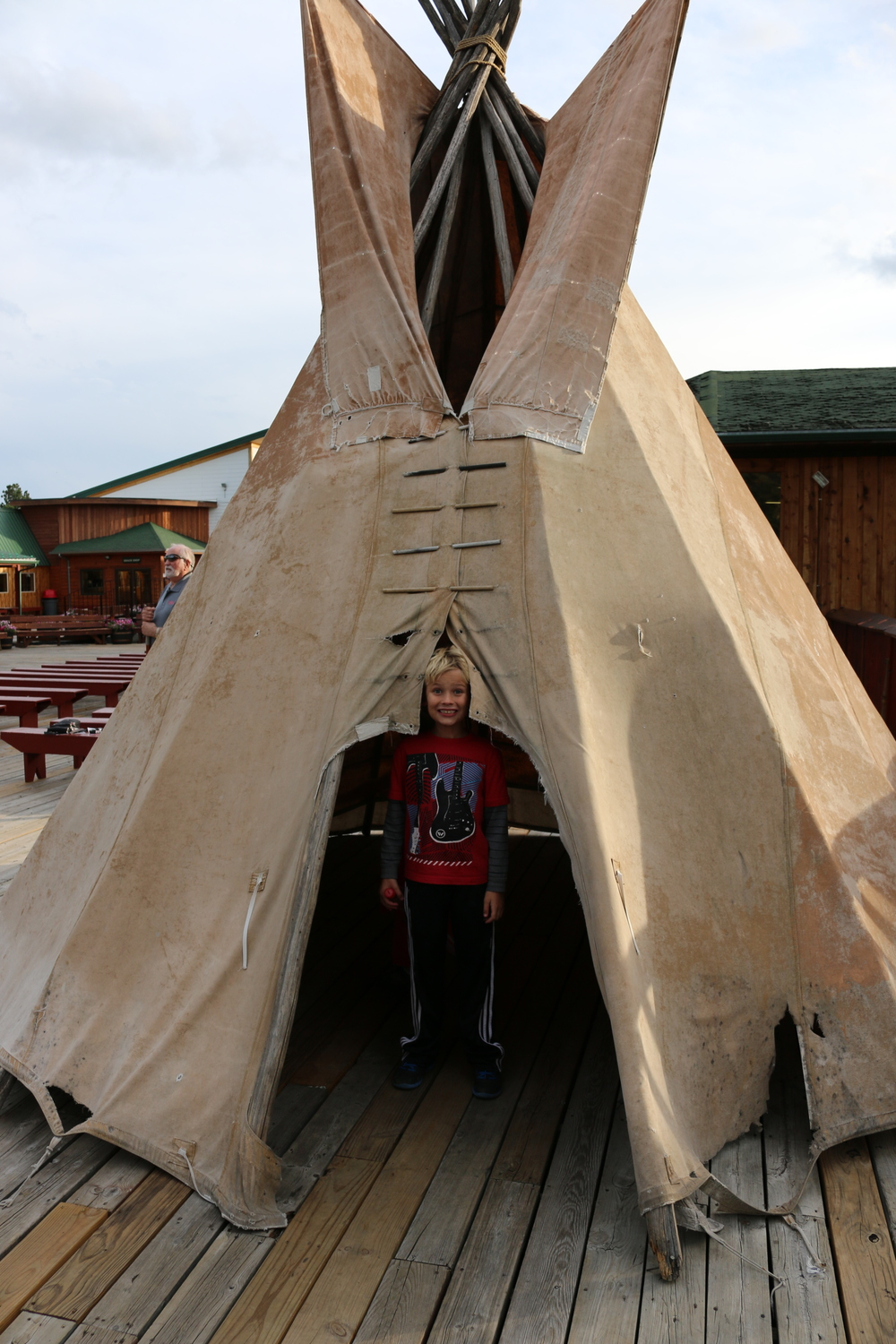 Dylan wears a tipi.