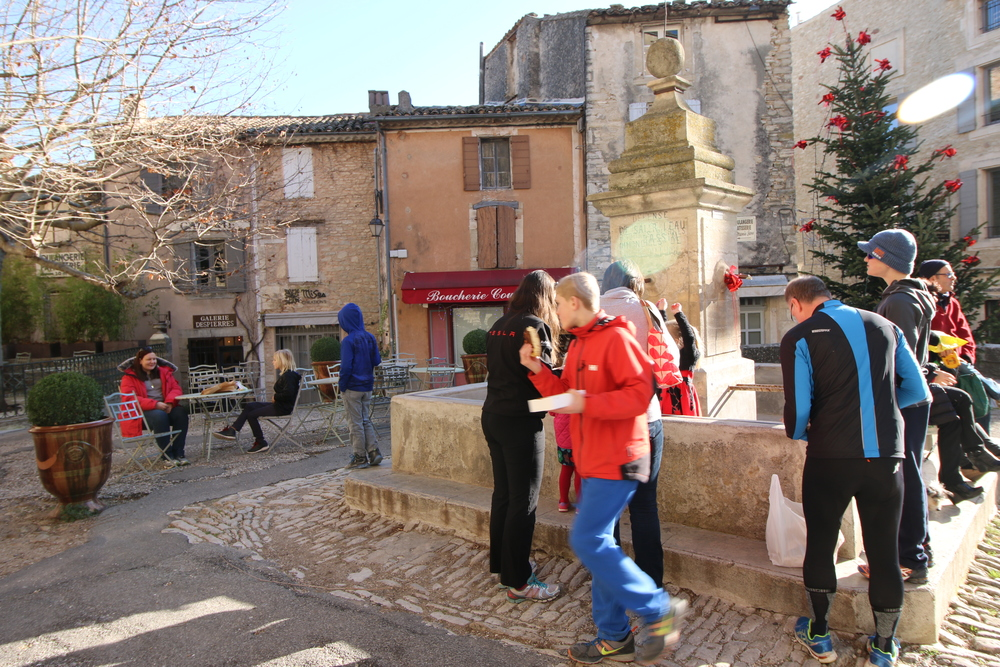 Gordes: real men eating quiche.