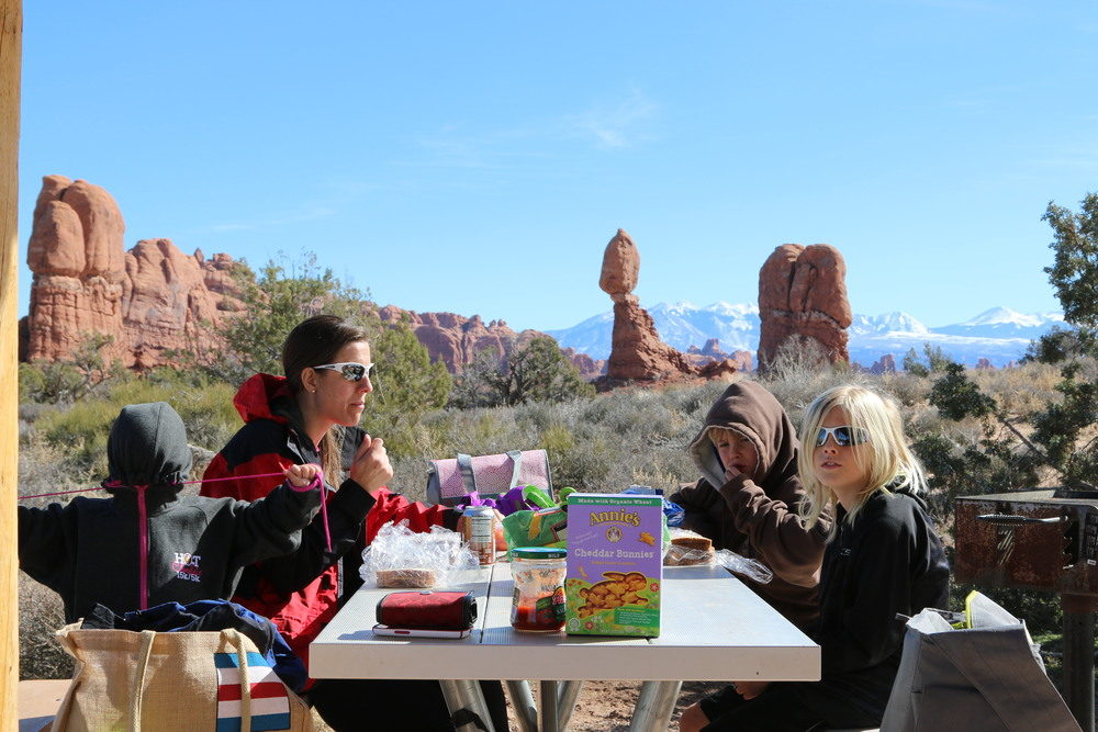 Arches NP: picnicking on a cold day.