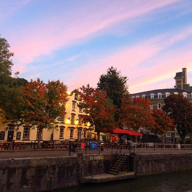 #Autumn leaves and gentle breezes on the #Bristol waterfront. Perfect #sundowner conditions!