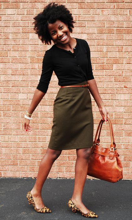 Choose The Right Shoes To Style Your Pencil Skirt