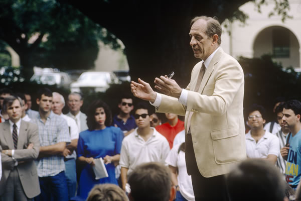 Chancellor James Wharton speaks to students regarding a tuition hike of $48 per semester in 1989. Image Credit:   http://www.lsu.edu/departments/gold/2011/07/alley.shtml#!prettyPhoto