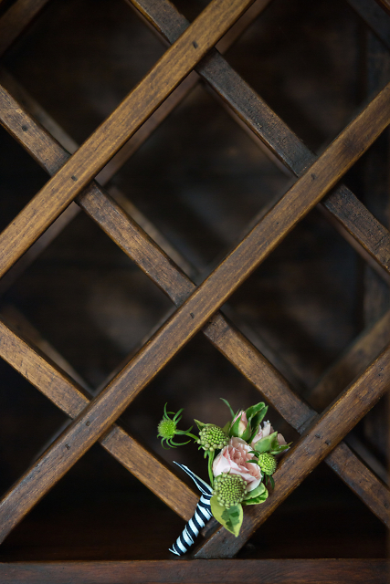 Kate Spade inspired boutonniere. Love this shot - thank you Lovesome Photography.