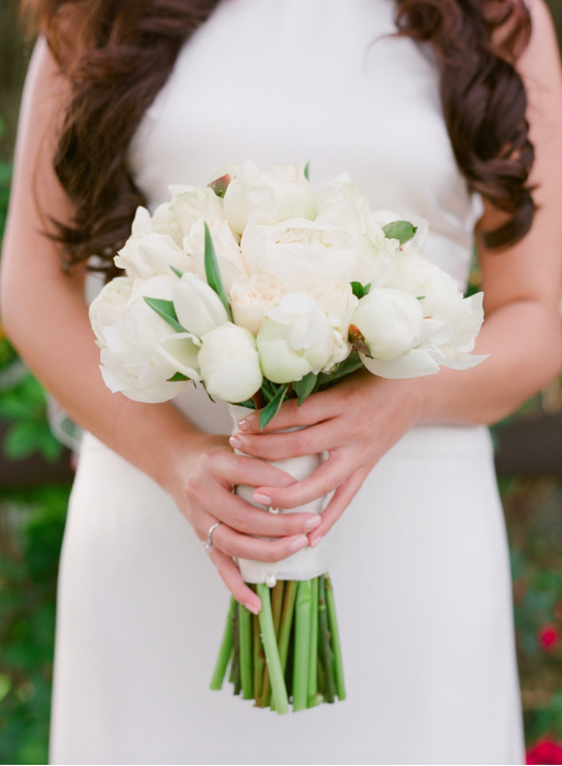 White Sleek Bouquet .png